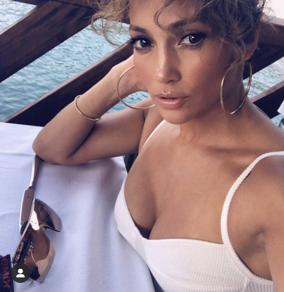 Jennifer Lopez - Ribbed Crop Top